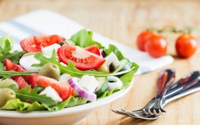 Dieta estiva: regole alimentari per i viaggiatori