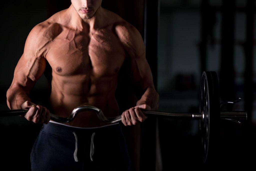 Corpo muscolo palestra uomo alimenti energizzanti energia