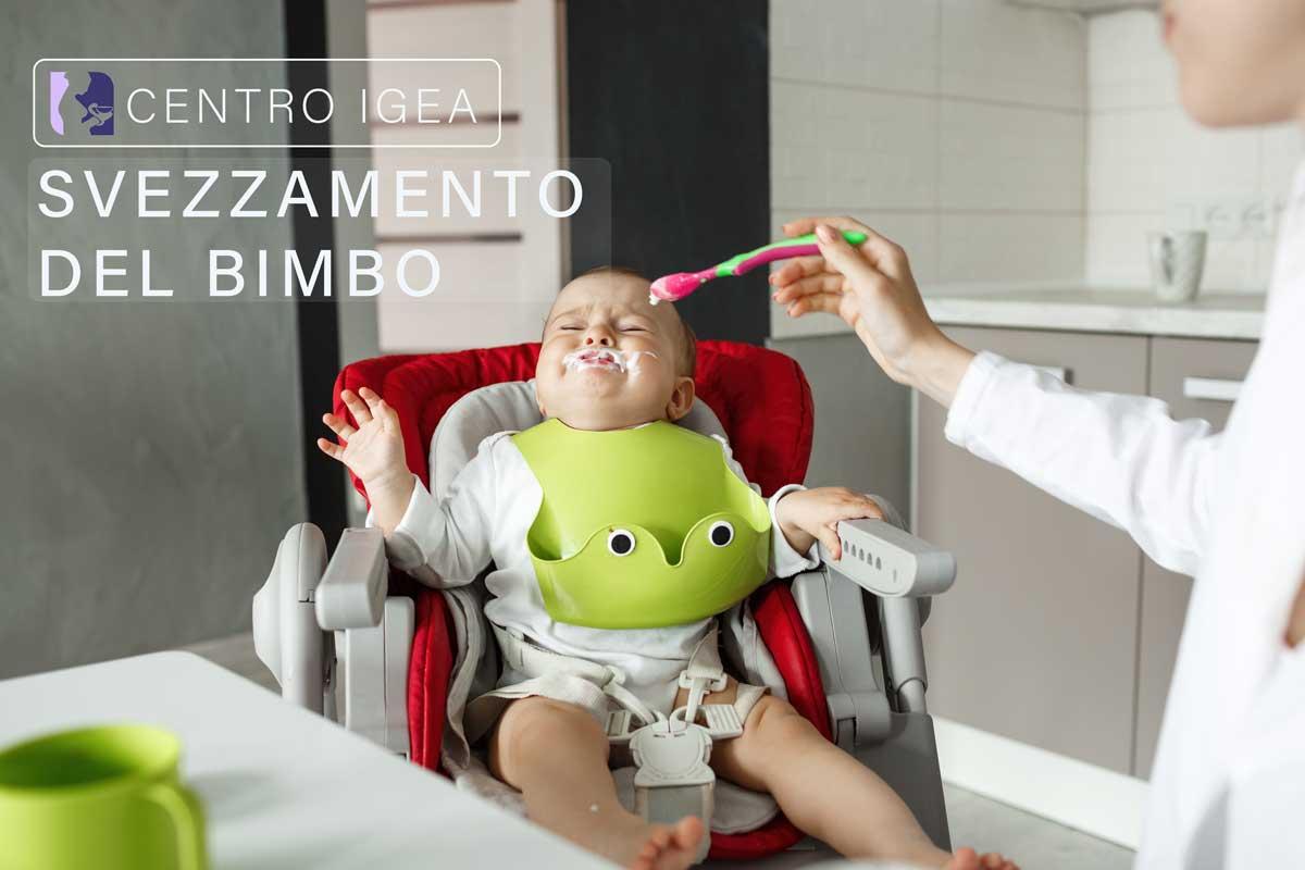 Svezzamento bambino neonato pappa
