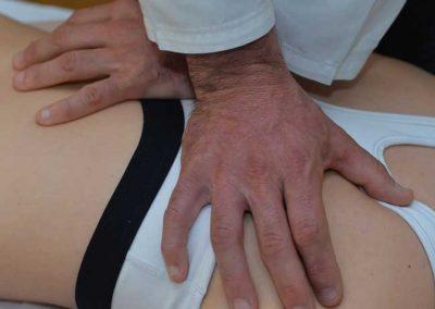 osteopata trattamento schiena e spalla